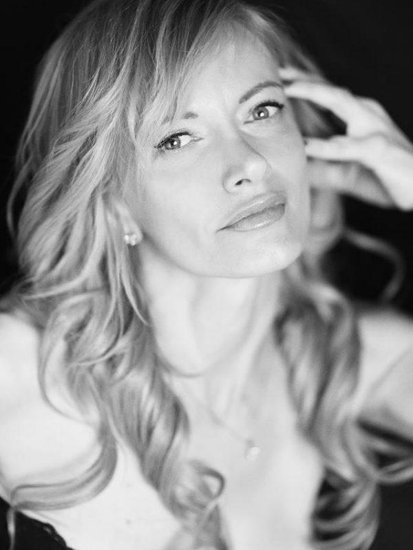 Roberta - Creative Models - Agenzia di Modelle Brescia - Modella Over 40