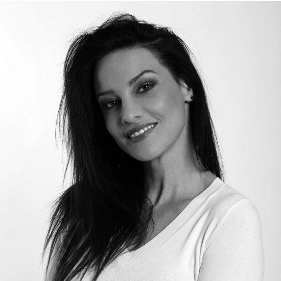 Creative-Models-Agenzia-Modelle-Brescia-Silvia-Modella-Over-35