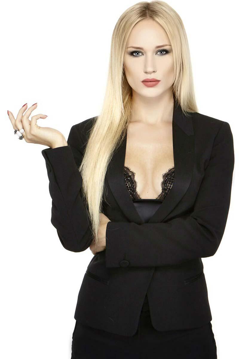 Anastasiya - Modella Over 40 - Creative Models - Agenzia Modelle Brescia