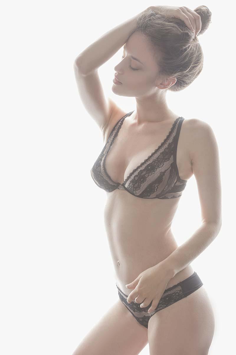 Pamela M. - Fotomodella - Creative Models - Agenzia Modelle Brescia