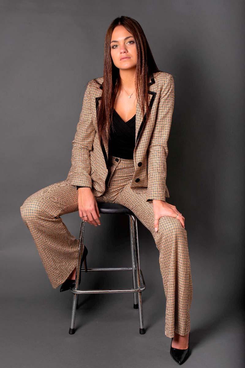 Greta T- Fotomodella - Creative Models - Agenzia Modelle Brescia